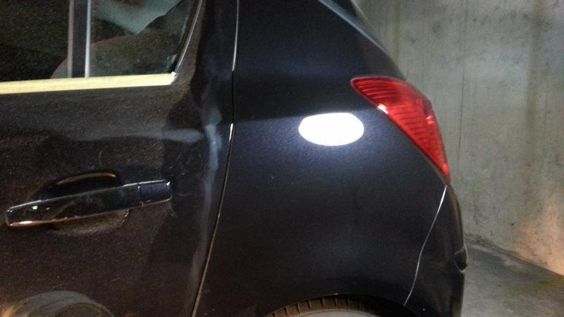 krassen verwijderen zwarte auto zonder hologrammen
