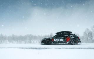 auto winterklaar maken - audi rs6 in de sneeuw